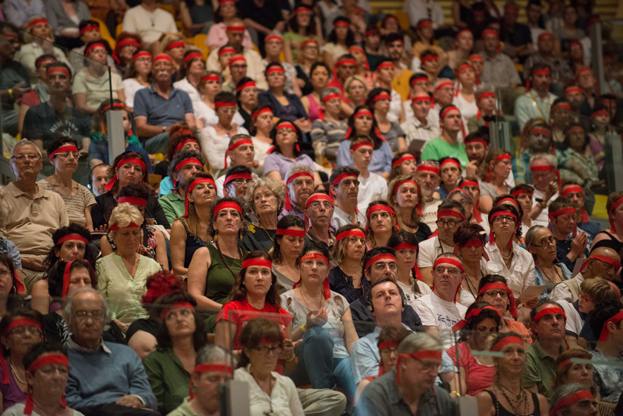 Более 6000 человек пришли на лекцию Далай-ламы в Ливорно | Geshe.ru
